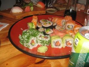 En Sushi Home cuando la Nicole se licenció de 4to. Medio!!